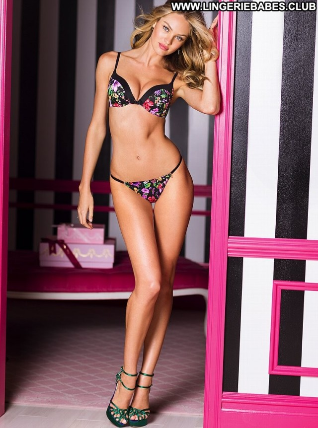 Zada Photoshoot Glamour Perfect Slim Healthy Athletic Blonde Lingerie