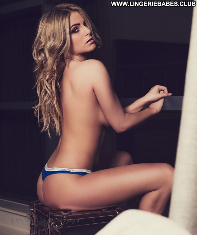 Ciera Photoshoot Beautiful Glamour Blonde Sultry Athletic Perfect