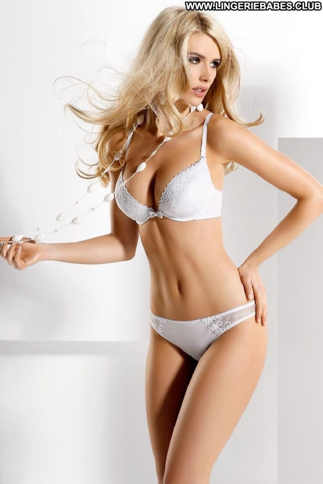 Evonne Photoshoot Chick Healthy Gorgeous Blonde Lingerie Cute Sultry