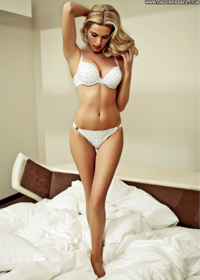 Courtney Photoshoot Beautiful Nice Bombshell Blonde Sensual Lingerie