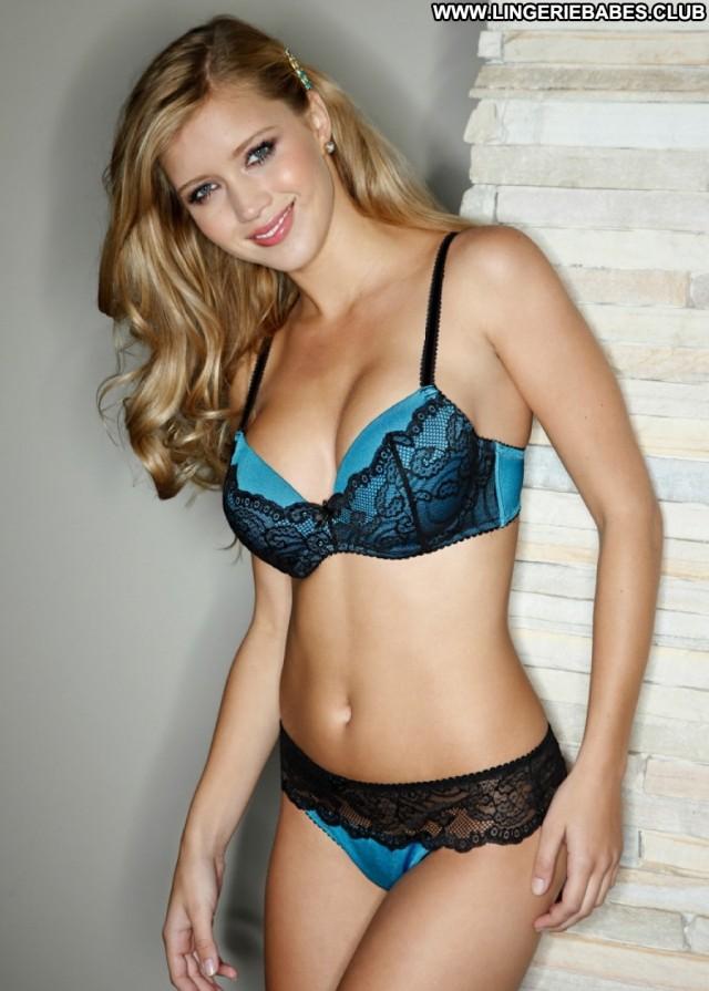 Joella Photoshoot Teasing Gorgeous Nice Fitness Lingerie Blonde Model