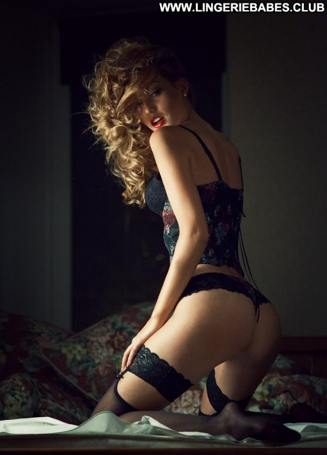Jenna Photoshoot Healthy Lingerie Chick Hot Glamour Blonde Teasing
