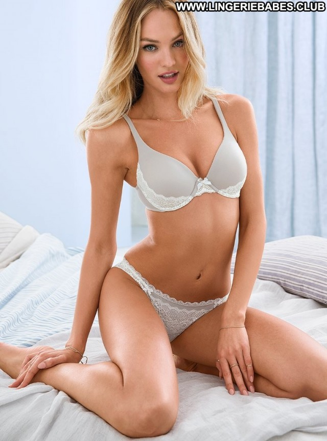 Jenna Photoshoot Chick Glamour Teasing Blonde Healthy Hot Lingerie